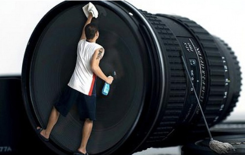 Cleaning dslr camera lens