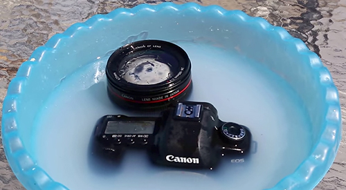 Video Tutorial on Cleaning Camera Dslr (Not So) Correctly And Properly