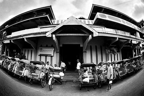 Beginner's Guide to Black and White Photography - Beringharjo Market