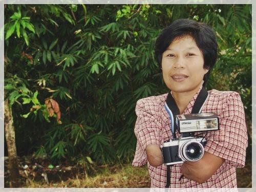 Inspiring Story: Rusidah, an Armless Photographer